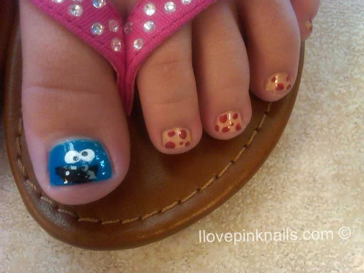 cookie monster toes!Little Girls Nails Design, Monsters Toes, Toes Nails For Girls, Cookie Monster, Cookies Monsters, Pink Nails, Nails Little Girls, Monsters Nailsfound, Little Girls Toes Nails