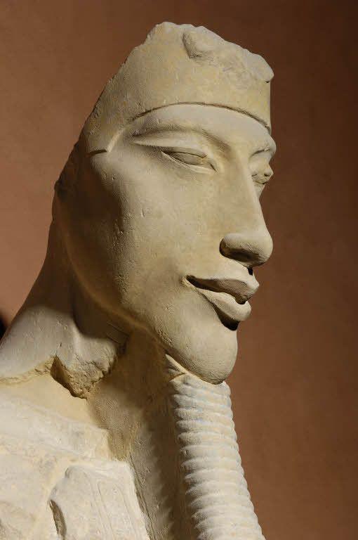 Aménophis IV Département des Antiquités égyptiennes. Musée du Louvre © 2006 Musée du Louvre / Christian Décamps