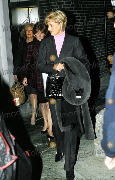 Princess Diana and Her Sister Lady Sarah Mccorkingdale Return From New York Heathrow Airport Photo:dave Parker-alpha-Globe Photos Inc 1996 Princessdianaretro