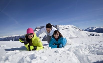 In the immediate vicinity of the Erica Hotel, there are two ski areas with state-of-the-art lift systems, a wide range of ski runs, and the finest powder snow. Here, fun in the snow is guaranteed.