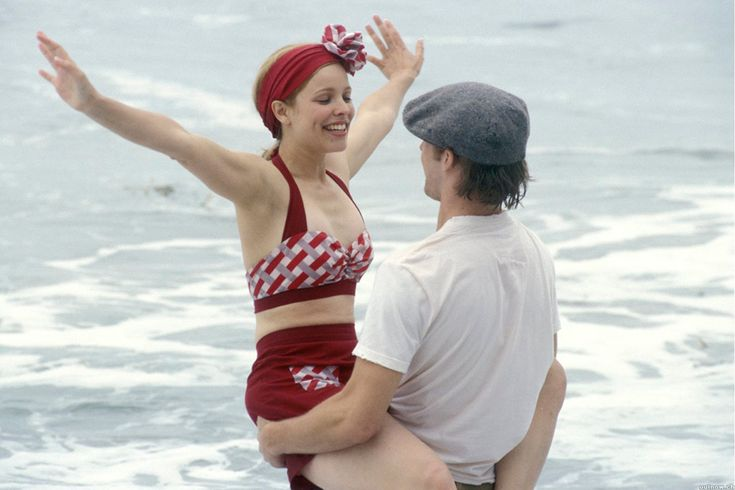 El bikini de estilo retro de Allie en 'El Diario de Noah' (2004) / Los 20 bañadores más famosos de la historia