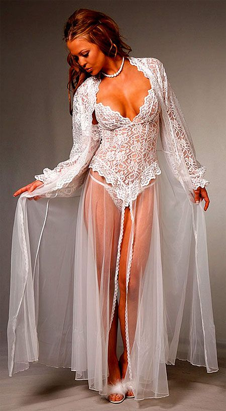 Bridal Lace Peignoir Set.
