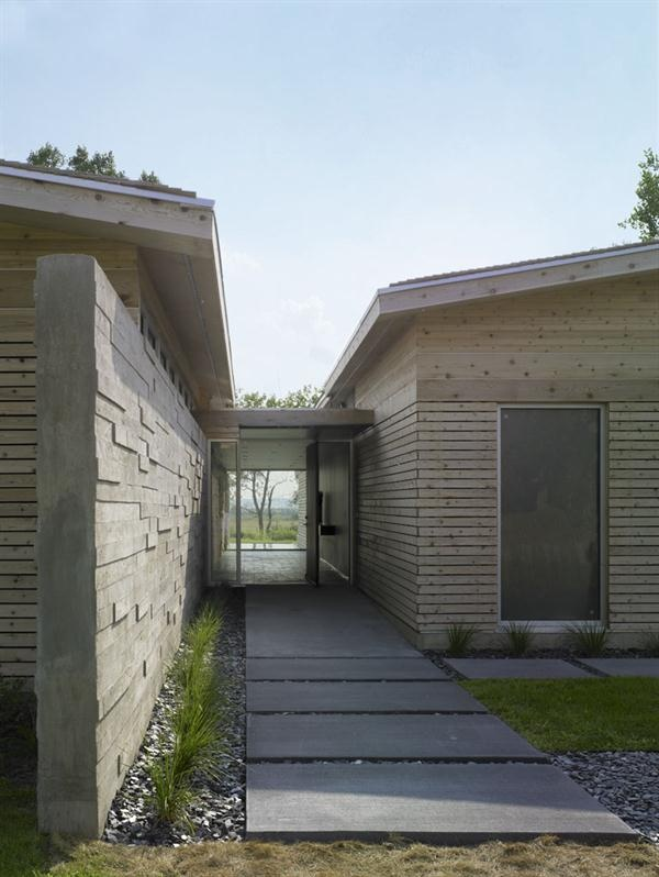 Cbf Cement Board Fabricators Residential Projects: A Board-formed Concrete Wall Leads Visitor To The Entry