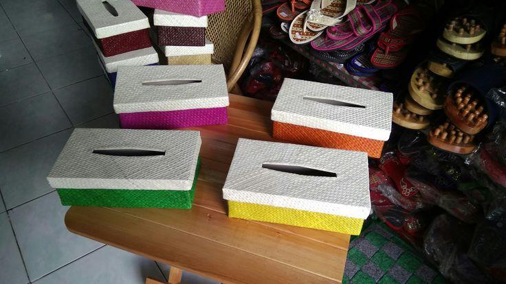 Kotak tisu pandan warna Hp dan WhatsApp 085222308405