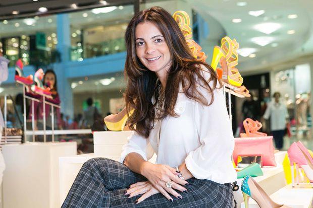 A promoter carioca Isabela Menezes inaugura nova festa no Rio - http://epoca.globo.com/colunas-e-blogs/bruno-astuto/noticia/2014/01/promoter-carioca-bisabela-menezesb-inaugura-nova-festa-no-rio.html