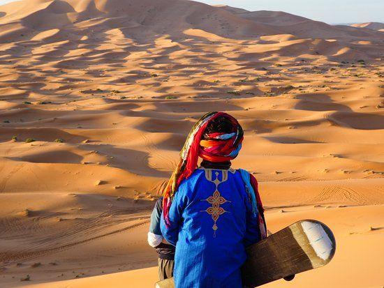 Ces 11 photos vous donneront envie de faire du Sandboarding dans le Sahara marocain