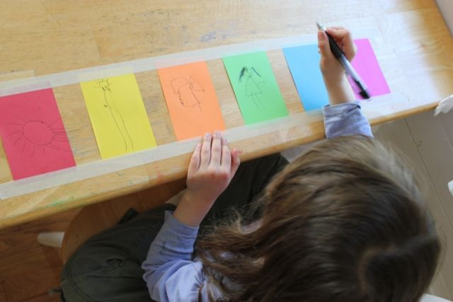 Link to 10 art activities thatrequire minimal set up & that children can do on their own with little or no guidance.