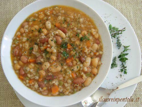 Ricetta della zuppa di cereali e legumi con procedimento spiegato passo passo