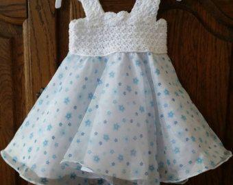 Gehaakt en stof. Baby jurk. Katoenen stof. door ElsaSieron