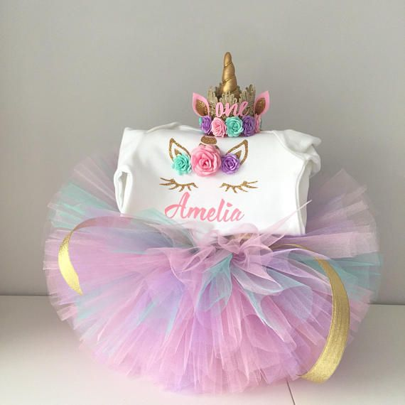 ********* PLEASE ADD NOTE TO SELLER AT THE CHECKOUT******** 1 Child Name 2 Any other additional info- if you would like a different size tutu then the top. Pink and Gold First Birthday Tutu Set (3-piece set) This birthday outfit is a soft and elegant outfit for your little