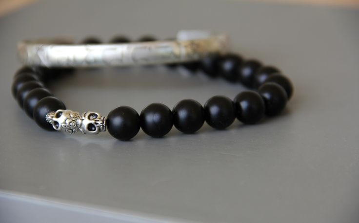 bracelet homme perles noire skull (tête de mort ) tourmaline .Très belle qualité : Bijoux pour hommes par made-with-love-in-aiacciu