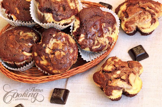 Chocolate Cream Cheese Muffins...  I used to get this type of muffin at a now defunct muffin bakery.  They were so rich & the cream cheese made them sweet & creamy too...  I gotta try to make these!