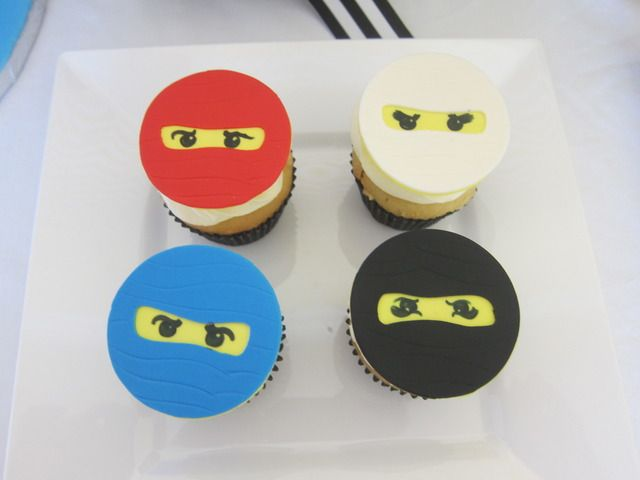 Lego Ninja cupcakes