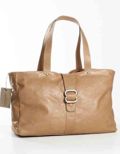 Chic Thandana leather tote bag. Buy it from Wave2Africa - an online gift and decor boutique.