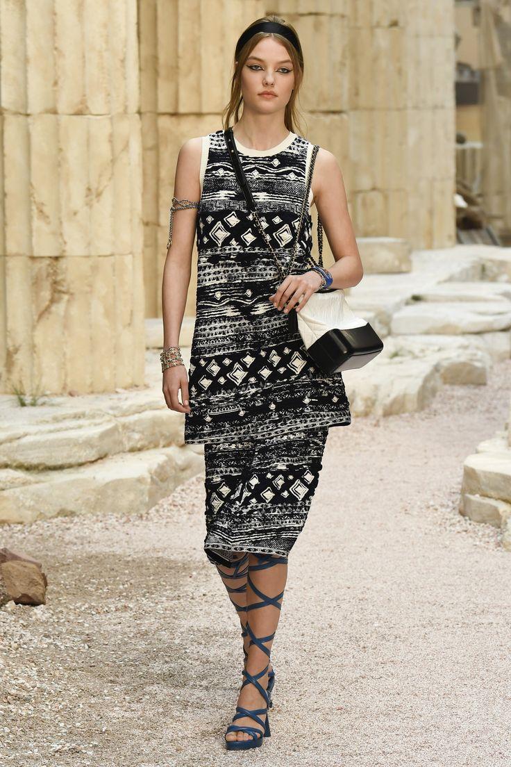 #Chanel  #fashion #Koshchenets     Chanel Resort 2018 Collection Photos - Vogue