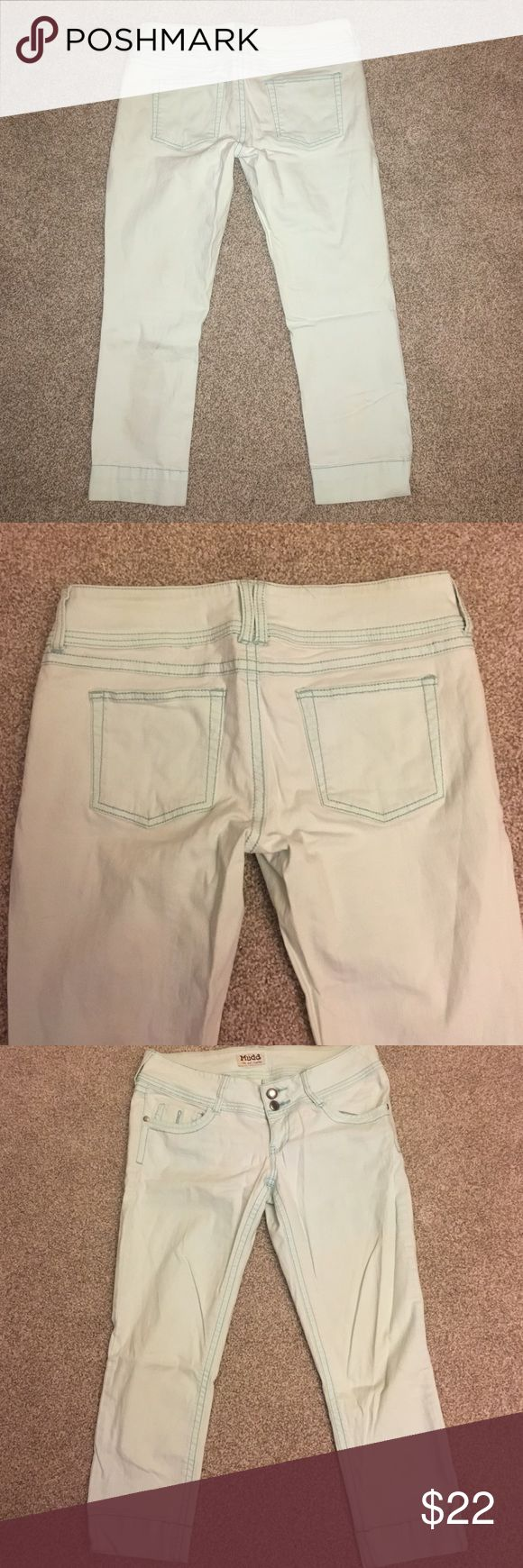 Mudd Mint Capris 98% Cotton. 2% Spandex. No flaws. Perfect condition. Color is light mint Mudd Jeans Ankle & Cropped