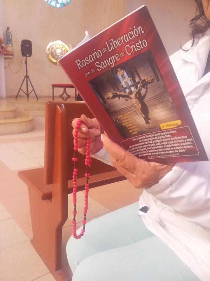 Rosario de liberación con la Sangre de Cristo