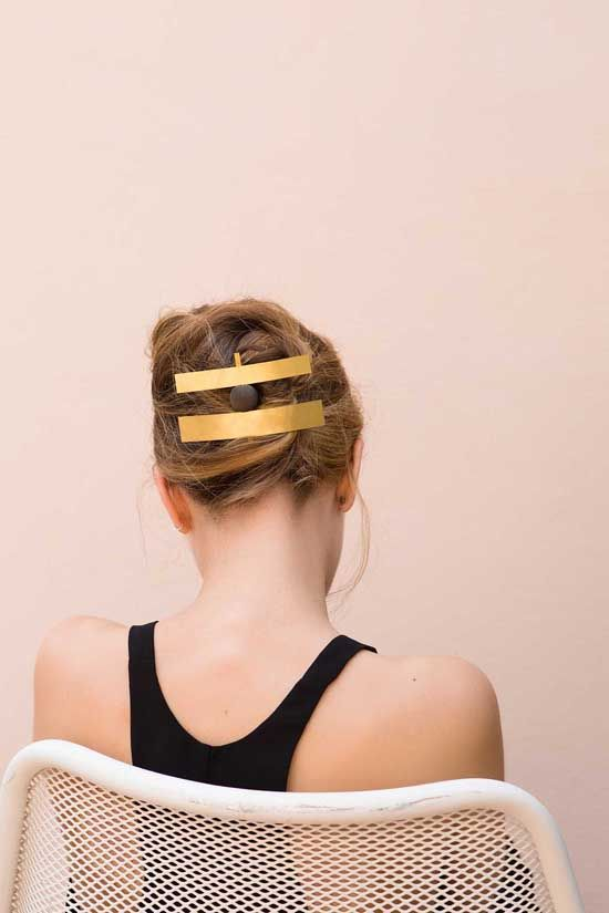 hair clips Sophie Buhai at Villa Lena | Photography: Frederik Vercruysse, Styling: Clarisse Demory