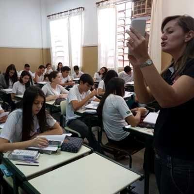 Programa incentiva uso de calculadoras científicas nas escolas