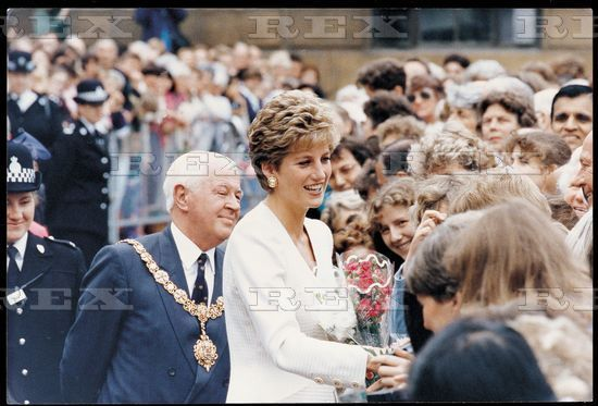 17 June 1993 Princess Diana Meeting The Crowd While On Walkabout In Cambridge Town Centre. She Is Visiting Papworth Hospital As Patron Of The British Lung Foundation