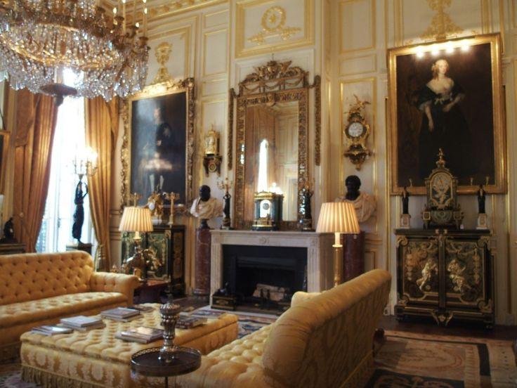 AUCTIONS DE BALKANY   Hôtel de Feuquières, rue de Varenne © photographies Le Curieux des ...