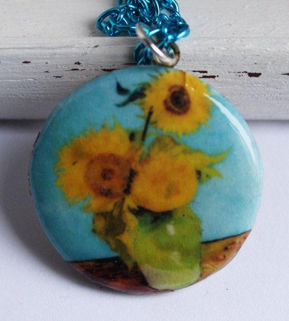 Guarda questo articolo nel mio negozio Etsy https://www.etsy.com/listing/263652896/brass-photo-locket-necklace-vintage