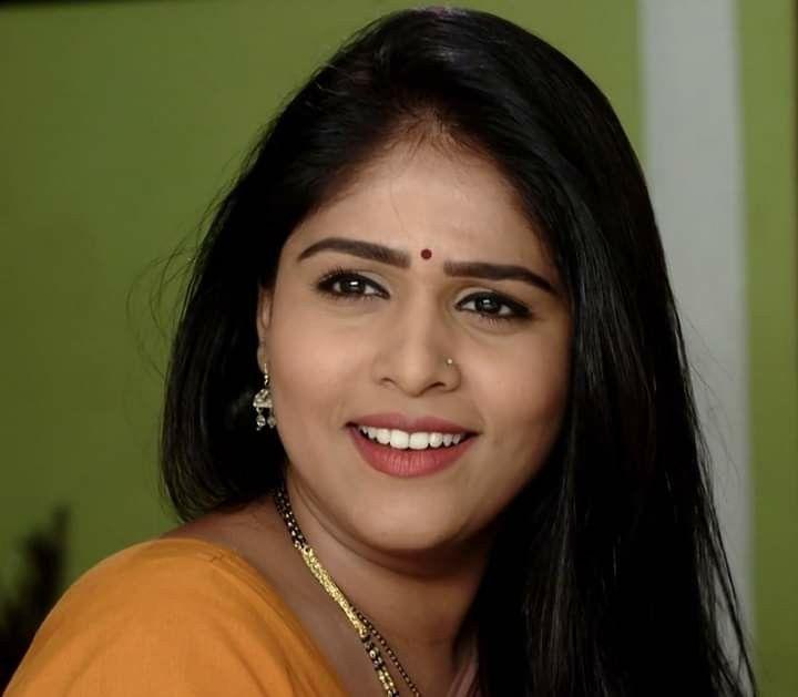 Pin By Manju On Marathi Tarka In 2020 Cute Beauty Desi Beauty Beautiful Girl Indian