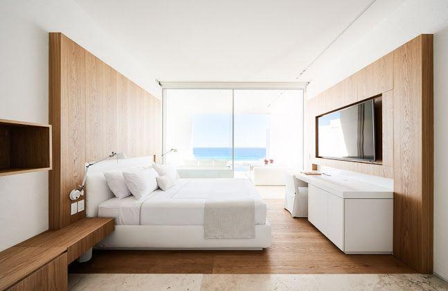 Мигель Анхель Арагонес (Мексика). Отель в море Кортеса
