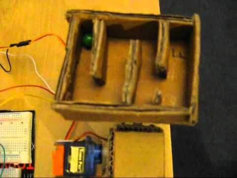 Arduino Servo mounted maze controlled by 4 buttons