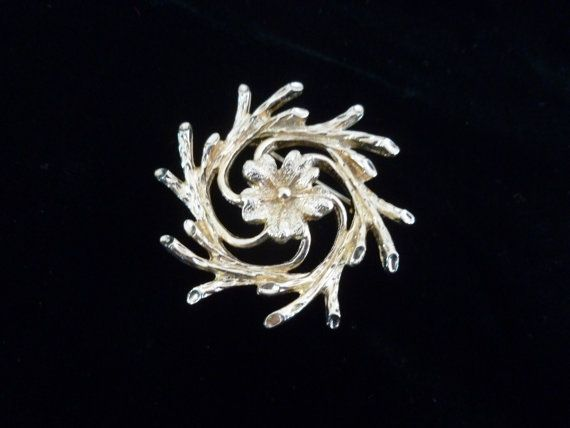 Vintage Sarah Coventry Gold Tone Floral Brooch by MuskRoseVintage