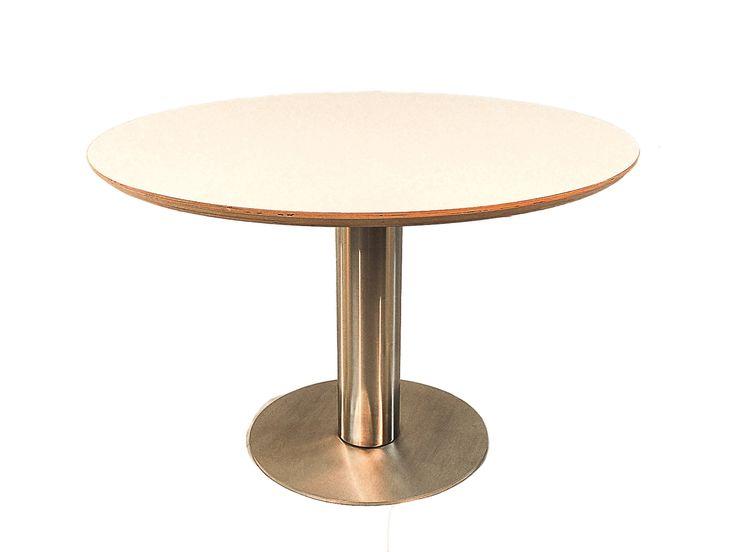 ... - Moderne ronde eettafel met wit blad #rvs #rond #wit #eetkamertafel