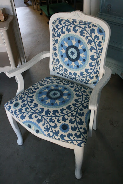 Reloved Rubbish: Chair Affair  Cheryl says: My goal in MFT is to show options to help visualize the finished items.