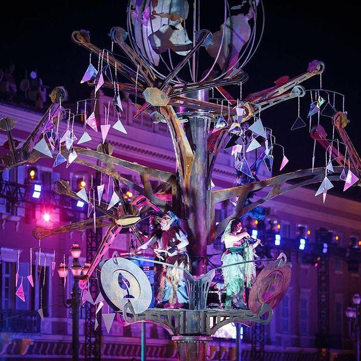 L'arbre de l'Energie défile au Carnaval de Nice 🎊 The energy tree during the parade of lights 😍 📷…»