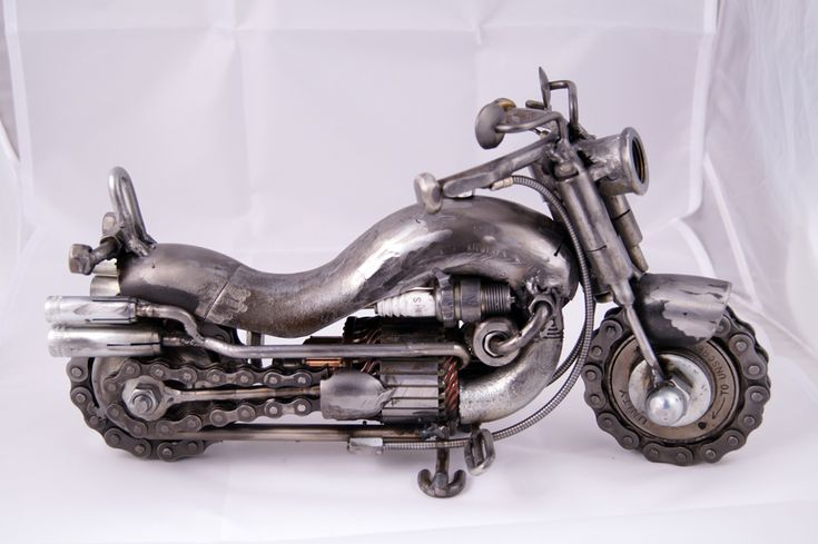 Original Artwork - Metal Sculpture Art - Metal Motorcycle Art  Original Artwork Metal Motorcycle   Dimensions: 33x13x height 19cm Weight: 4,5 Kg Anti rust transparent varnish  This is a unique metal sculpture and original artwork of a motorcycle. Created by Greek visual artist Giannis Dendrinos https://www.etsy.com/listing/563257434/original-artwork-metal-sculpture-art?ref=shop_home_active_1