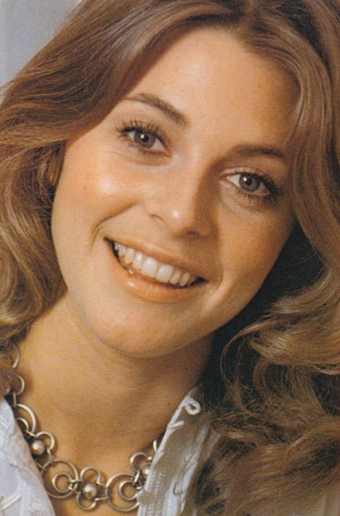 Lindsay Wagner Nude Photos 46