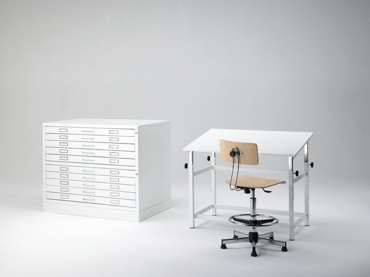 QSA Architetto. Drafting table. Adjustable desk.