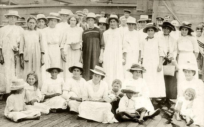 Pitcairn Islanders, 1916