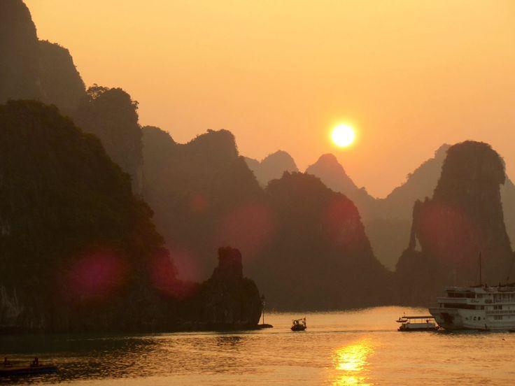 Amazing sunrise Halong Bay