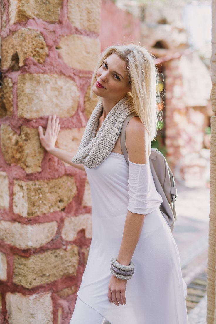 Leather handmade backpack by Love my bag. Clothing & accessories: www.xamamclothes.com // #fashion #chania #sandalilovemyshoes #whitetop #backpack #lavacaloca #ioannakourbela #white #fashionphotography #amtopm