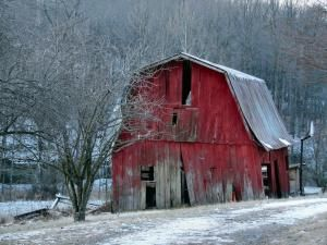 Red barn** by kelly.meli