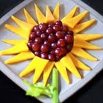Crafty Moods_ Cute Cheesy Sunflowers! _ This would make a great addition to any summer party or back ayrd bar-b-que #Summer Foods #Bar-B-Que