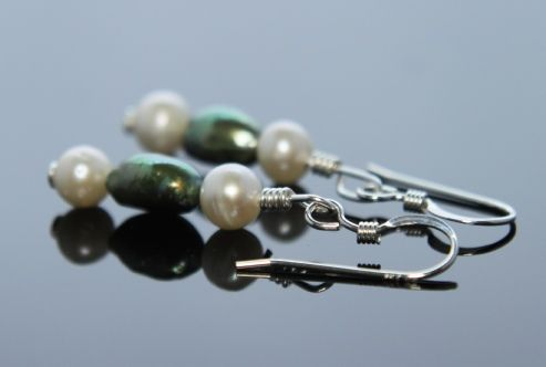 Adella Earrings, baroque pearls in green and white with an approximate drop of 1.8cm, perfect.