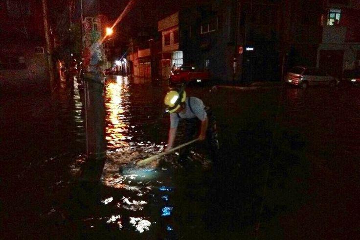Los reportes preliminares de encharcamientos e inundaciones se enfocan en las colonias Primo Tapia, Torreón Nuevo, El Realito, Ventura Puente, Juárez, Lago I, Obrera, así como en las avenidas Camelinas, ...