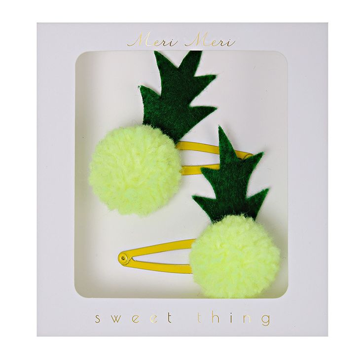You will love this pair of decorative hair clips featuring punchy pineapples crafted from pom-poms! They are so cute and perfect for a sunny day. Pack contains