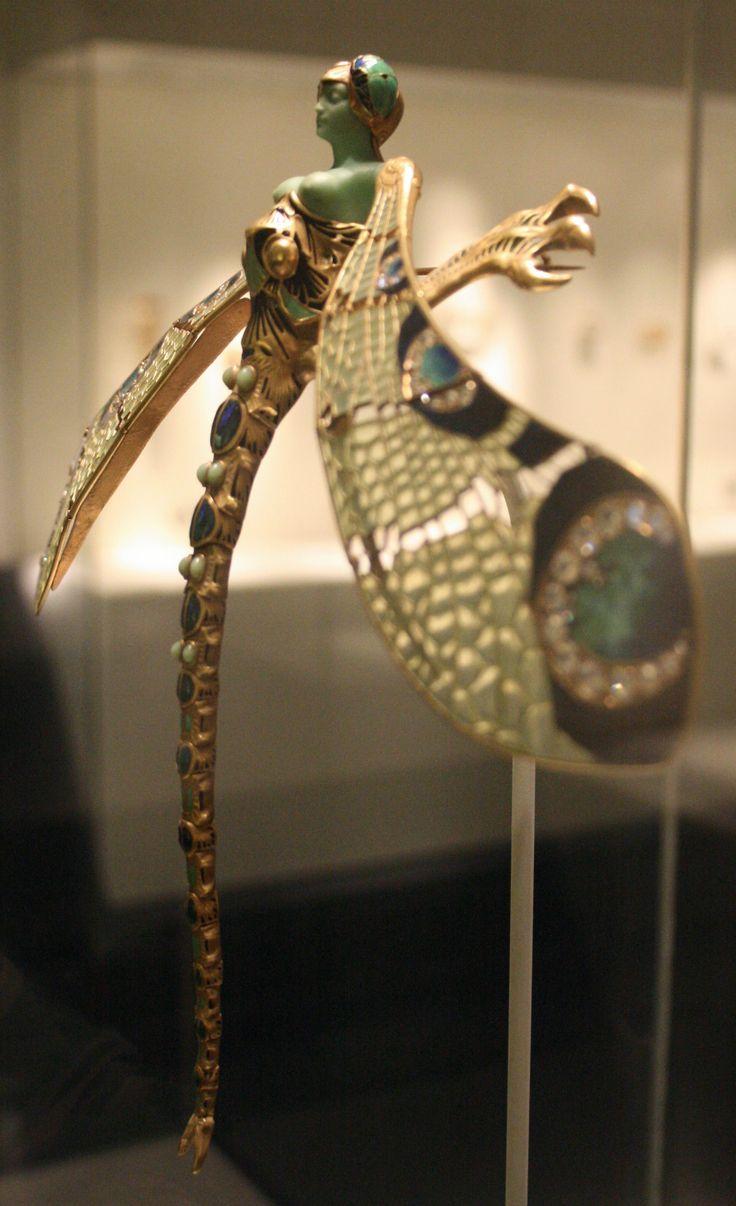Dragonfly corsage ornament (detail) by René Lalique, c1897
