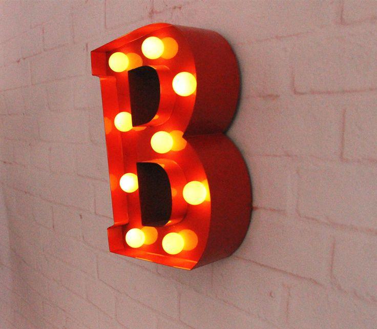 """Pas cher 9 """" rouge lettres métalliques lumière LED alphabet chapiteau signe Vintage métal signes de lettres lumière intérieure mur dération personnaliser ordre, Acheter  Nouveautés éclairage de qualité directement des fournisseurs de Chine:                 Article:                   Led Marquee signe-lettre                     Dimension:"""