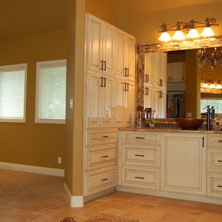 Best Sherwin Williams Sw 6126 Navajo White Cabinets Cabinet 640 x 480