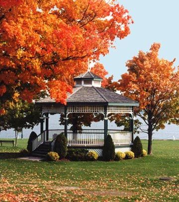 Port Perry's charming downtown: Picturesque Palmer Park on serene Lake Scugog.  via Port Perry / Scugog Twp. Heritage Gallery