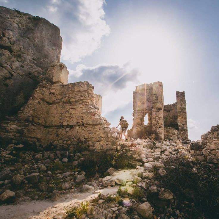 A journey through the ancient city of Tlos towards this stunning rock formation is an opportunity for all history lovers to take full advantage of! Photo by @colerise