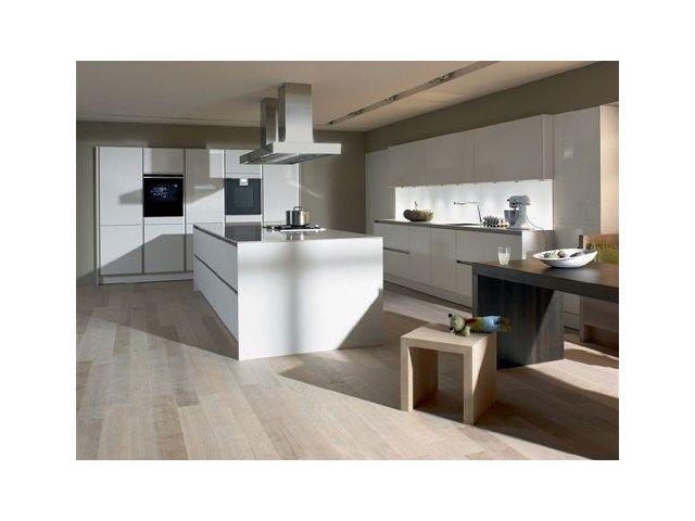 Keuken • strak interieur • kookeiland • www.siematic.com # livios.be